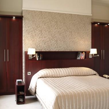 bespoke_mahogany_wardrobes_enigma_design_cabinetry_2
