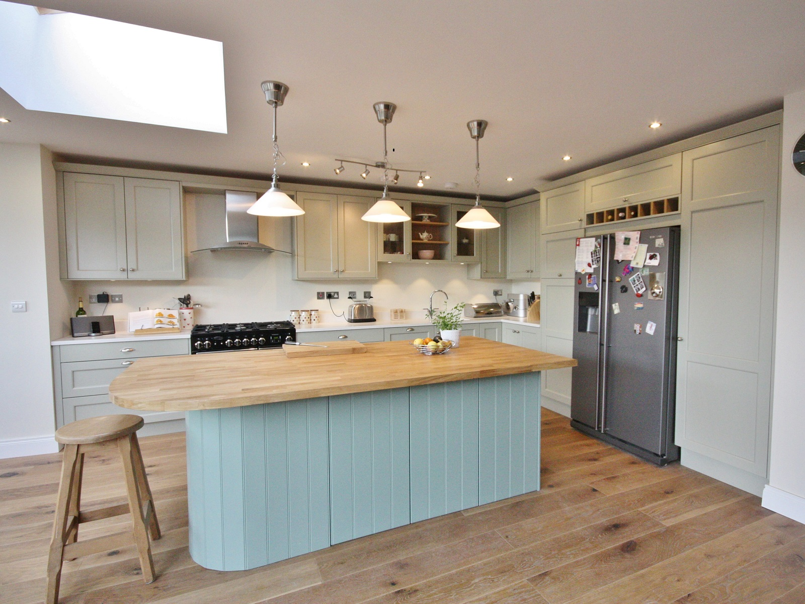 Enigma design classical painted shaker bespoke kitchen wicklow enigma design 1 - Bespoke kitchen design ...