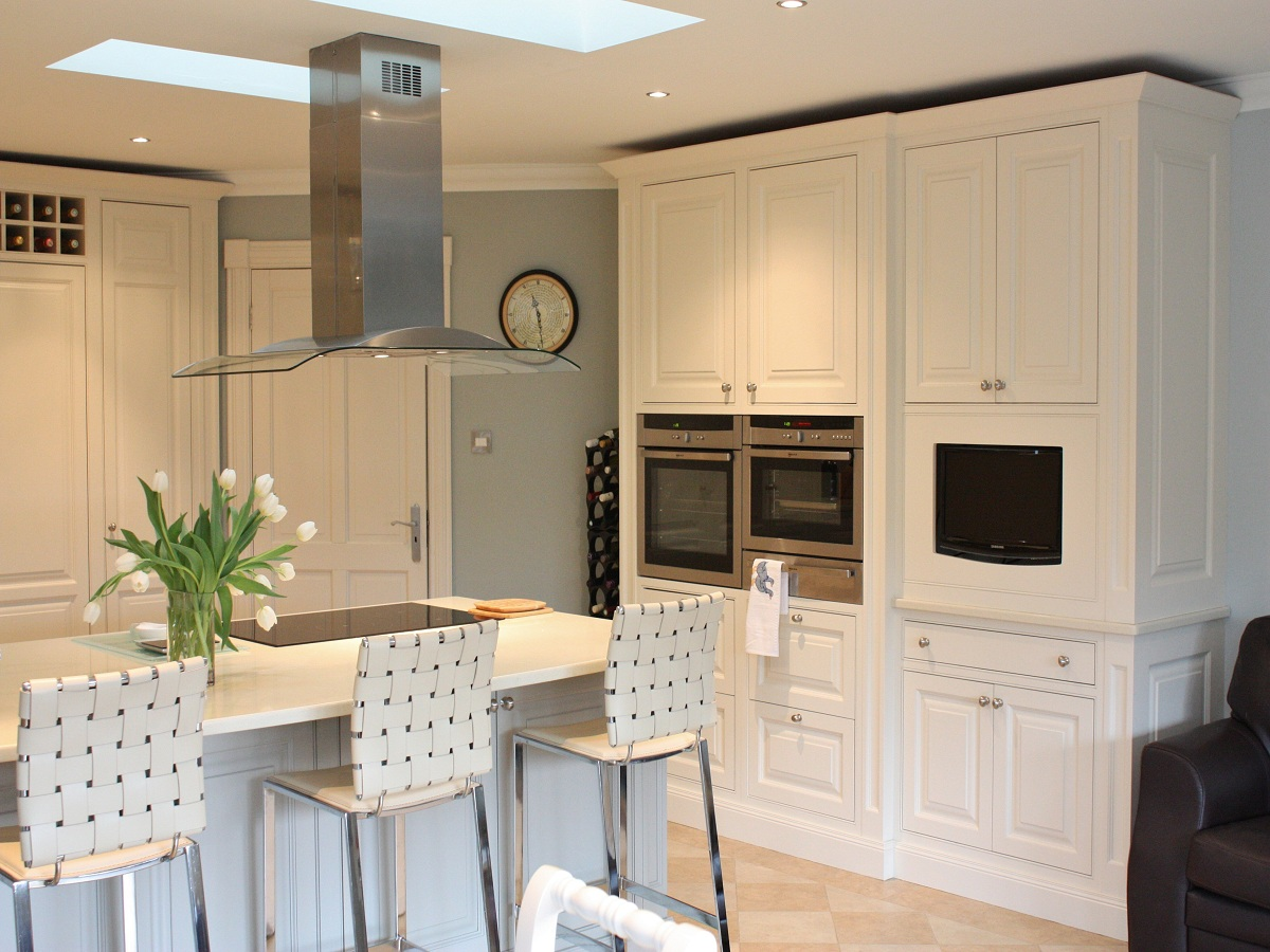 Enigma design modern country kitchen bespoke wicklow 4 for Modern country kitchen design
