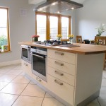white_with_oak_worktop_2