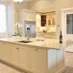 Classical_bespoke_handpainted_kitchen_3