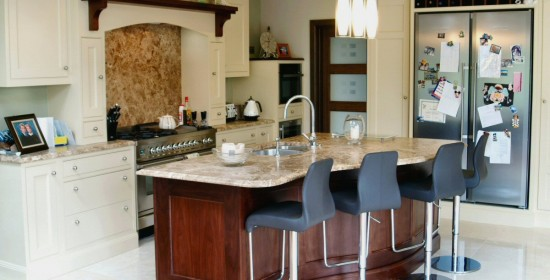 Classical_style_painted_cream_and_walnut_kitchen_enigma_design_3