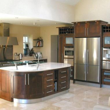 Modern_framed_Walnut_kitchen_1