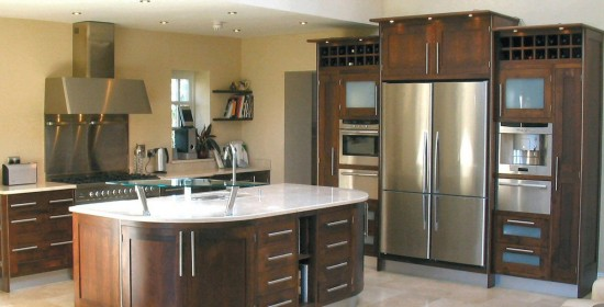 Modern_framed_Walnut_kitchen_1