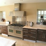 Modern_framed_Walnut_kitchen_2