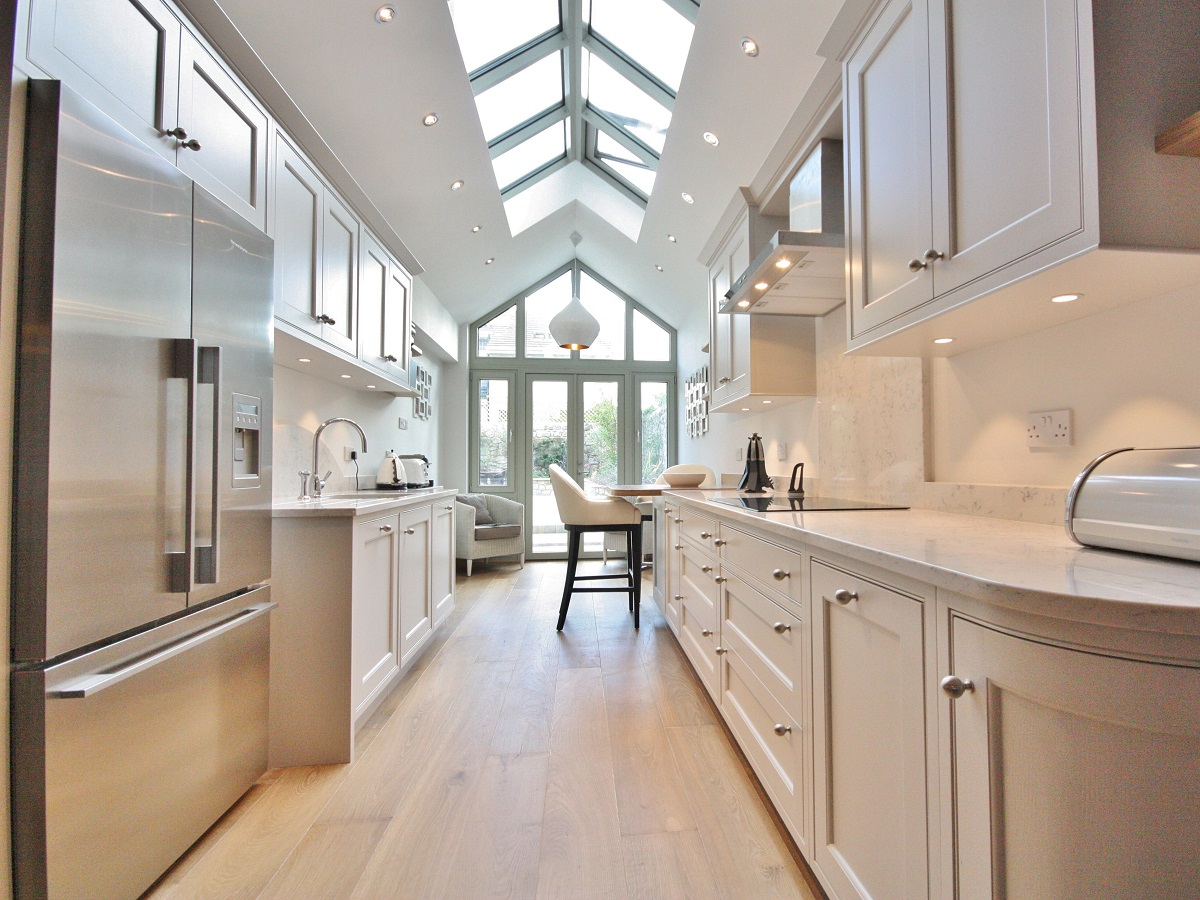 bespoke_classical_painted_kitchen_enigma_design_sandycove_1