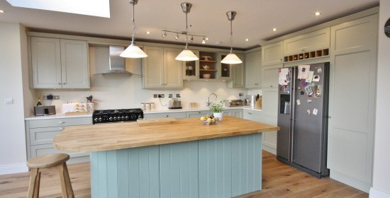 classical_painted_shaker_bespoke_kitchen_Wicklow_enigma_design_1